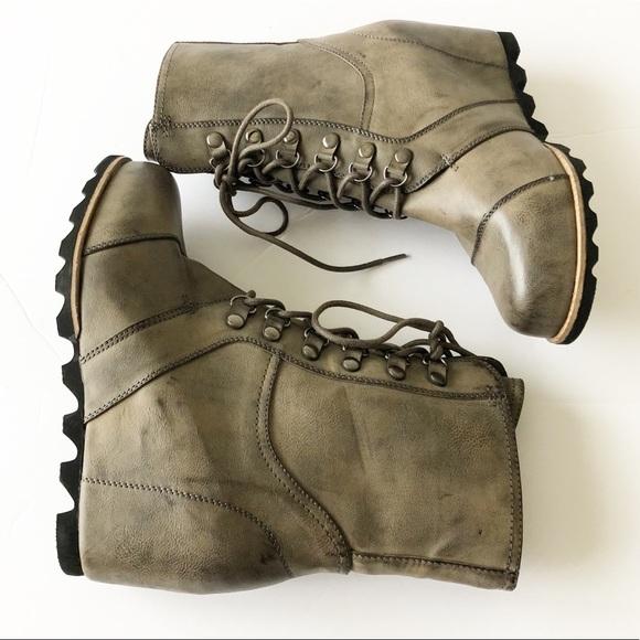 1c6b4229c41 NWOT Merona Marisol Lace Up Wedge Hiker Boot Sz 10.  M 5bbd2f78035cf12950274a78